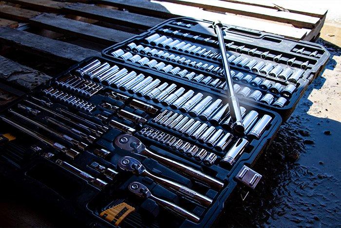 dewalt-192-piece-mechanics-tool-set.jpg